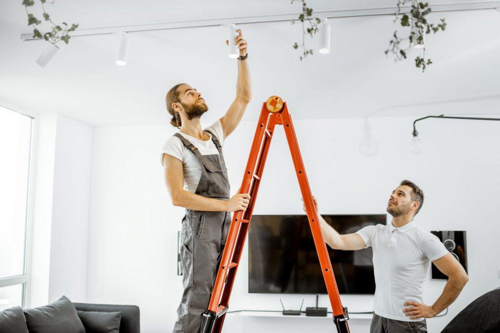 Lampeopsætning og nyt lampeudtag opsætning Lyngby